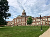 1280px-Richmond_High_School,_Richmond,_IN_(48500522411).jpg
